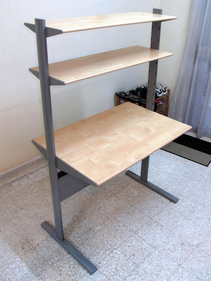 My first standing desk (same desk, not my picture though)